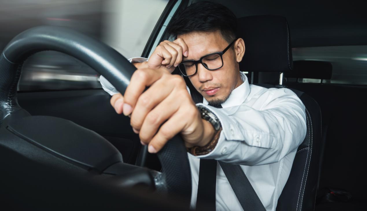 旅克能量:长途开车为何易产生酸胀感?